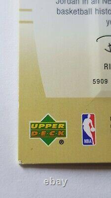 MICHAEL JORDAN 2004 SP game used Authentic Fabrics Gold /100 GOAT NBA Gift Idea
