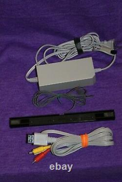 Nintendo Wii Console RVL- 001 4-Player Mario Kart Bundle 4 Controllers 4 Wheels