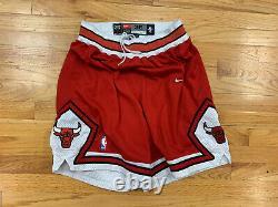 100% Authentique Chicago Bulls Nike Vintage Jeu Short Taille 36 Nba Og Vtg Rare