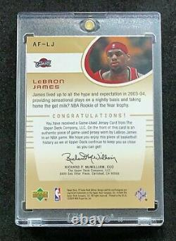 Lebron James 2004-05 Sp Authentic Fabrics Game-worn Jersey Cavaliers (2e Année)